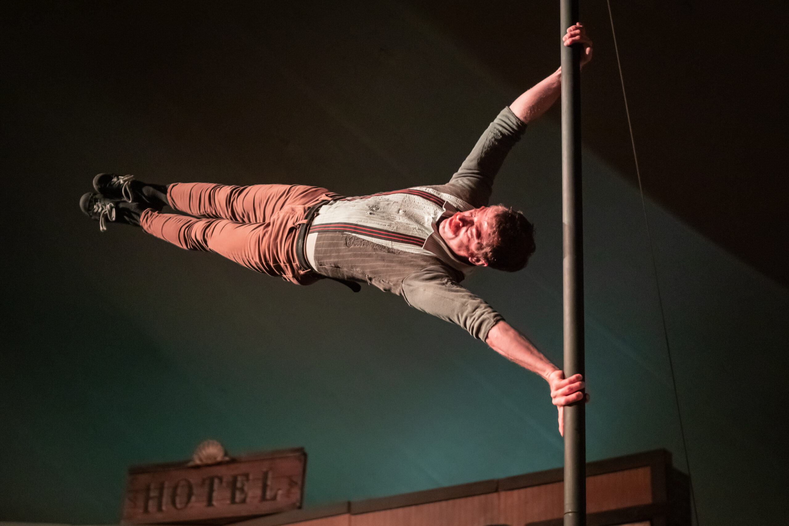Image of Ross Travis performing at Vau de Vire's The Soiled Dove dinner theater Under the Tortona Big Top in Downtown Oakland